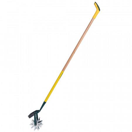 Grattoir de jardinage long manche 150cm PEFC. Grattoir de jardin  2 Outils, lame et éperons