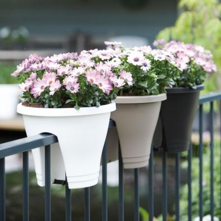 Pot de Fleur couleur pour balustrade et balcon